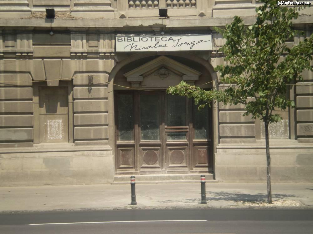 biblioteca iorga