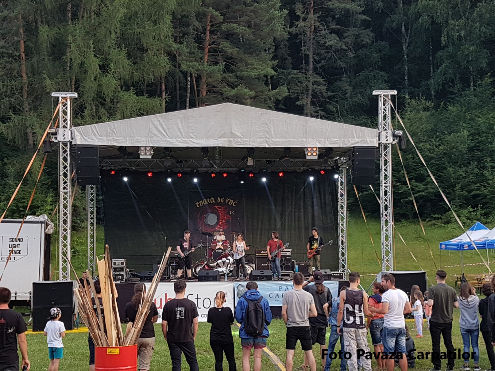 concert prima zi rock la foc